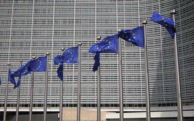 La Commissione Europea istituisce i dazi sui pneumatici cinesi
