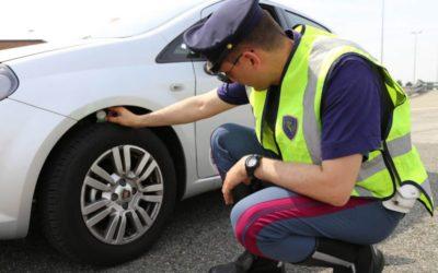 Quasi un'auto su cinque con pneumatici fuorilegge